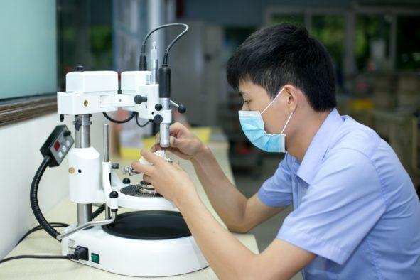 Flemming International - Fertigung von Zahnersatz in China